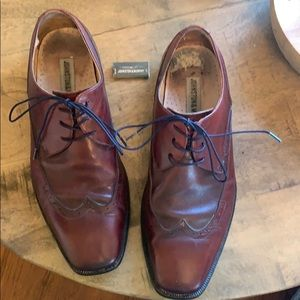 Johnston & Murphy Wing Tip Dress Shoe